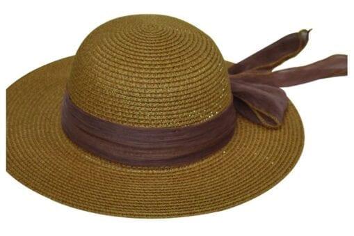 Μονόχρωμο καπέλο με χρωματιστή κορδέλα